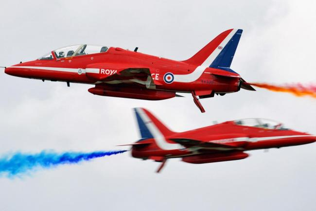 Red Arrows aircraft flying
