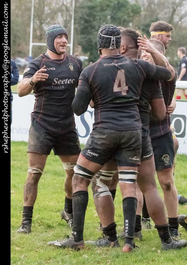 Plenty to celebrate - Rochford Hundred show their joy after Mac Duaibe's try