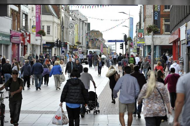 Plans - council bosses agree High Street is in need of work