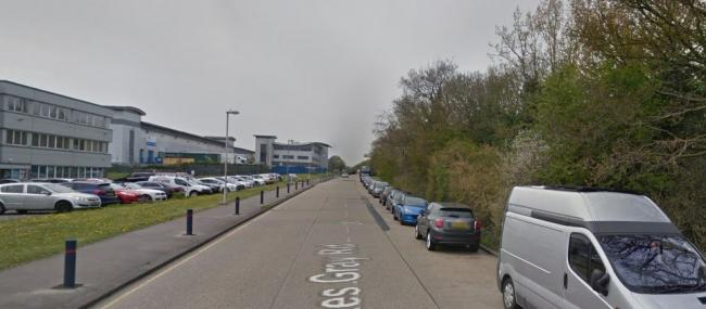 Reports of immigrants found in lorry at industrial estate