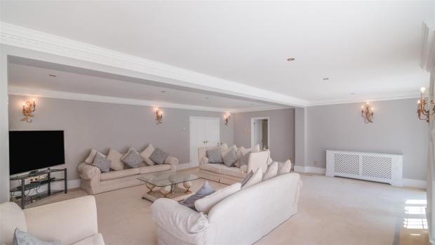 Echo: A beautiful lounge area