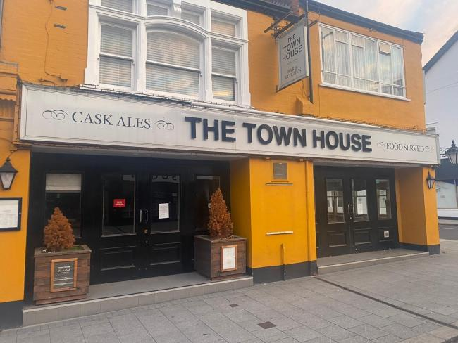 Closed - The Town House Bar & Kitchen