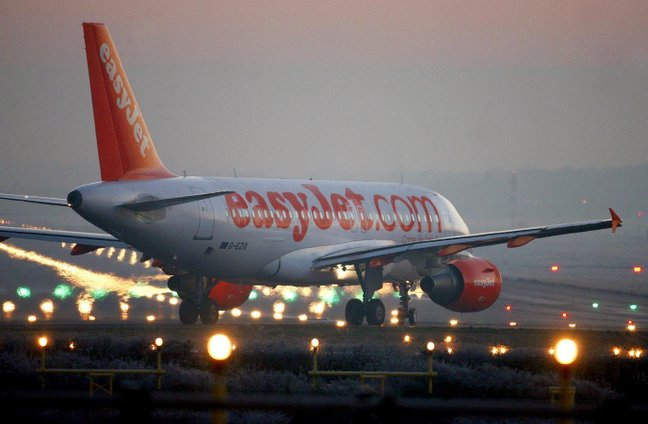 easyJet flights grounded