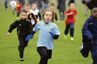 In full stride – the Year 3 boys race