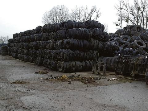 Small mountain – 29,000 tyres were found in Battlesbridge