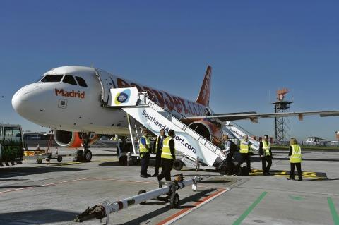 Boarding – EasyJet's first flight