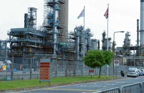 Coryton staff demonstrate outside refinery