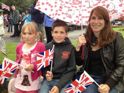 175,000 greet Olympic torch relay in south Essex