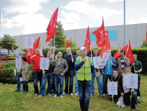 On strike – Argos workers in Miles Gray Road