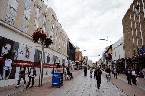 Litter pick to clean up High Street