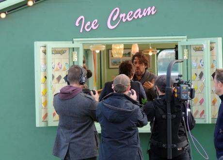 Jonathan Ross filming in the former Pier Head Cafe