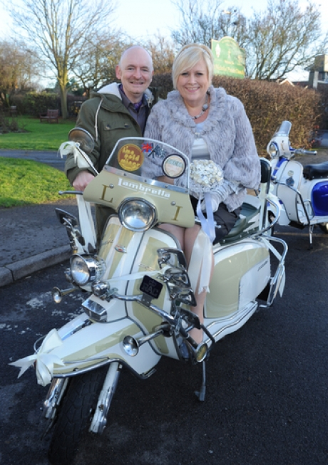 We are the Mods! Canvey couple follow Sixties theme for renewal of vows