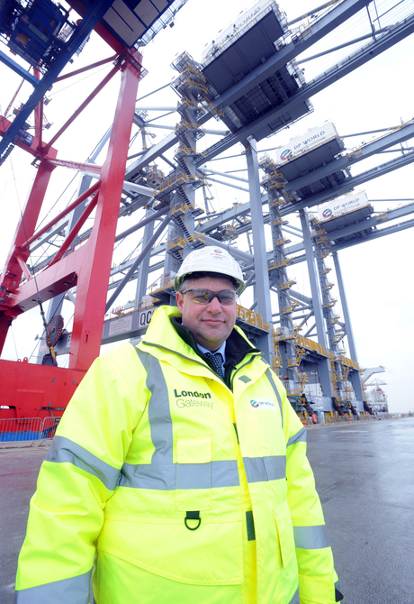 Huge cranes arrive at London Gateway port