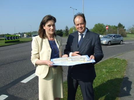 Time for change? - Rebecca Harris MP with Transport Minister Stephen Hammond MP at Waterside Farm roundabout