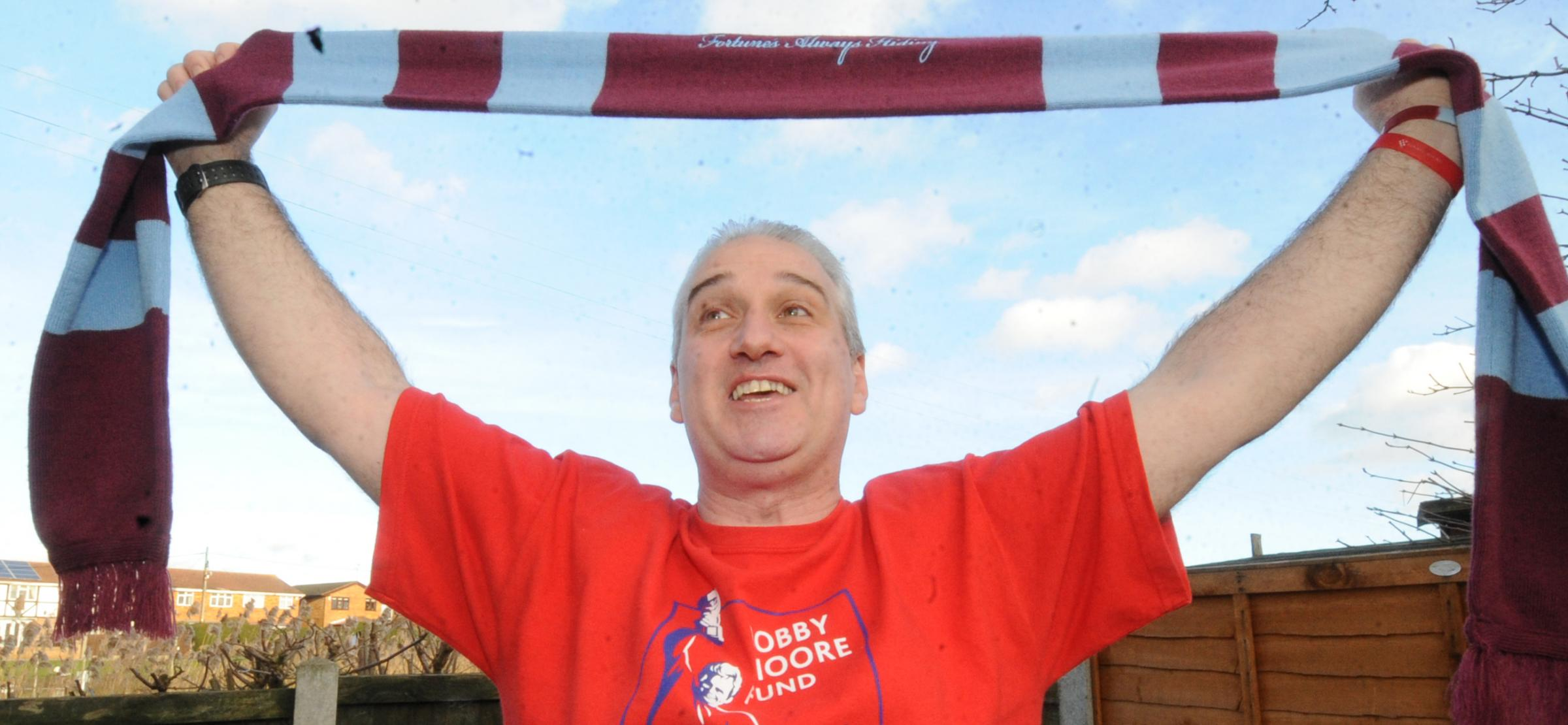 Die-hard fan to walk from Roots Hall to West Ham for Bobby Moore fund