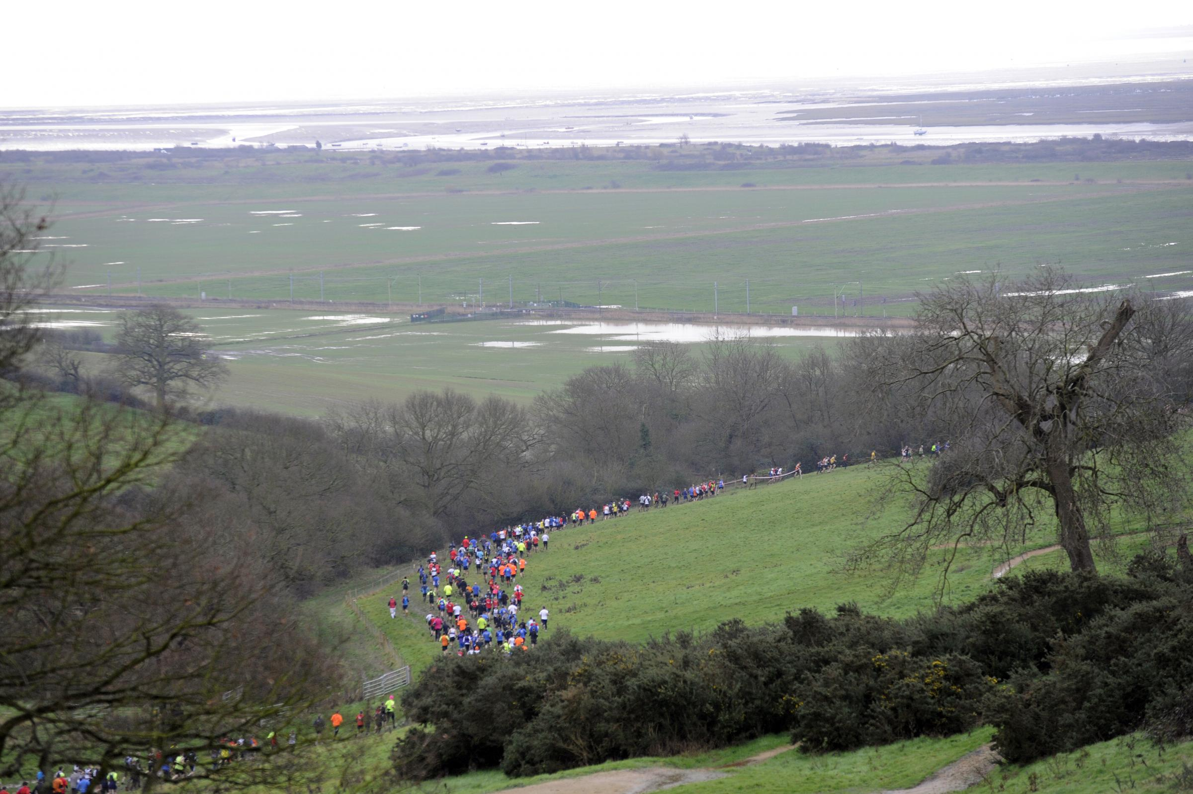 Runners tackle the Benfleet 15. Pictures by Echo photographer Al Underwood