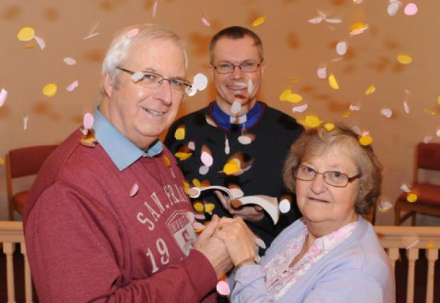 Echo: Bruce and Helen Bott will renew their wedding vows along with two dozen other couples in a service to be conducted by the Rev Warner Pidgeon in Billericay