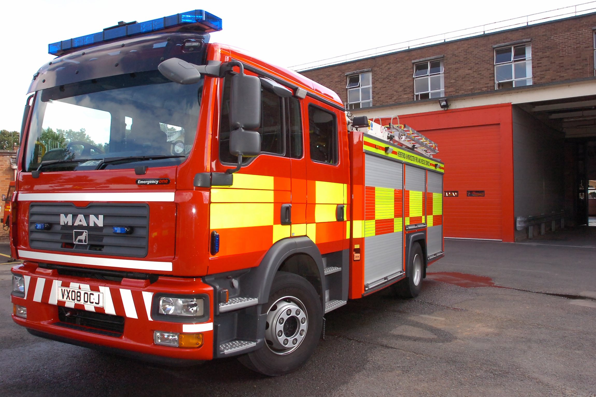 Washing machine fire extinguished by neighbour