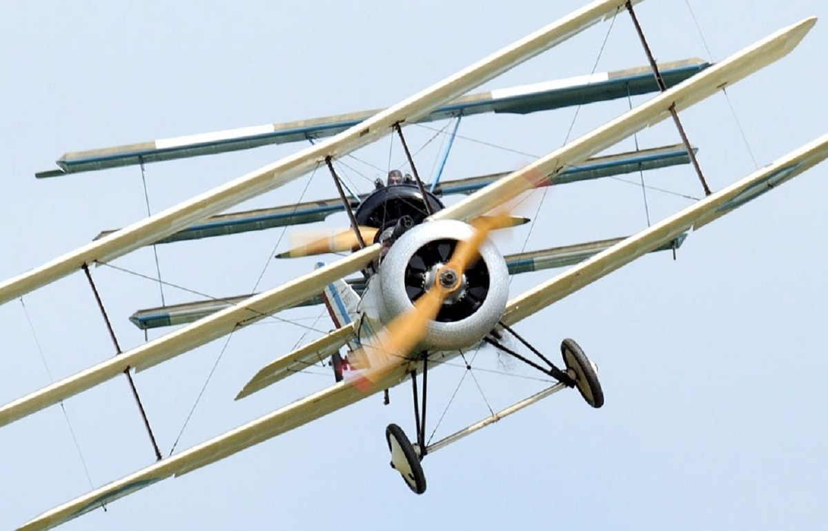 Tri-planes to fly in for WW1 centenary at Barleylands