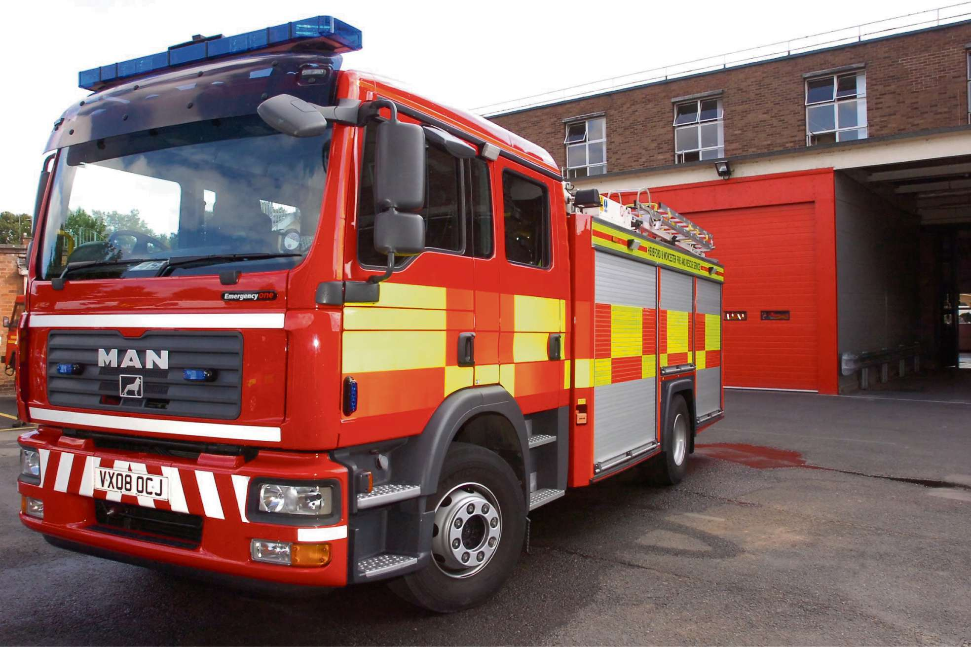 Fire crews extinguish fire in Rochford