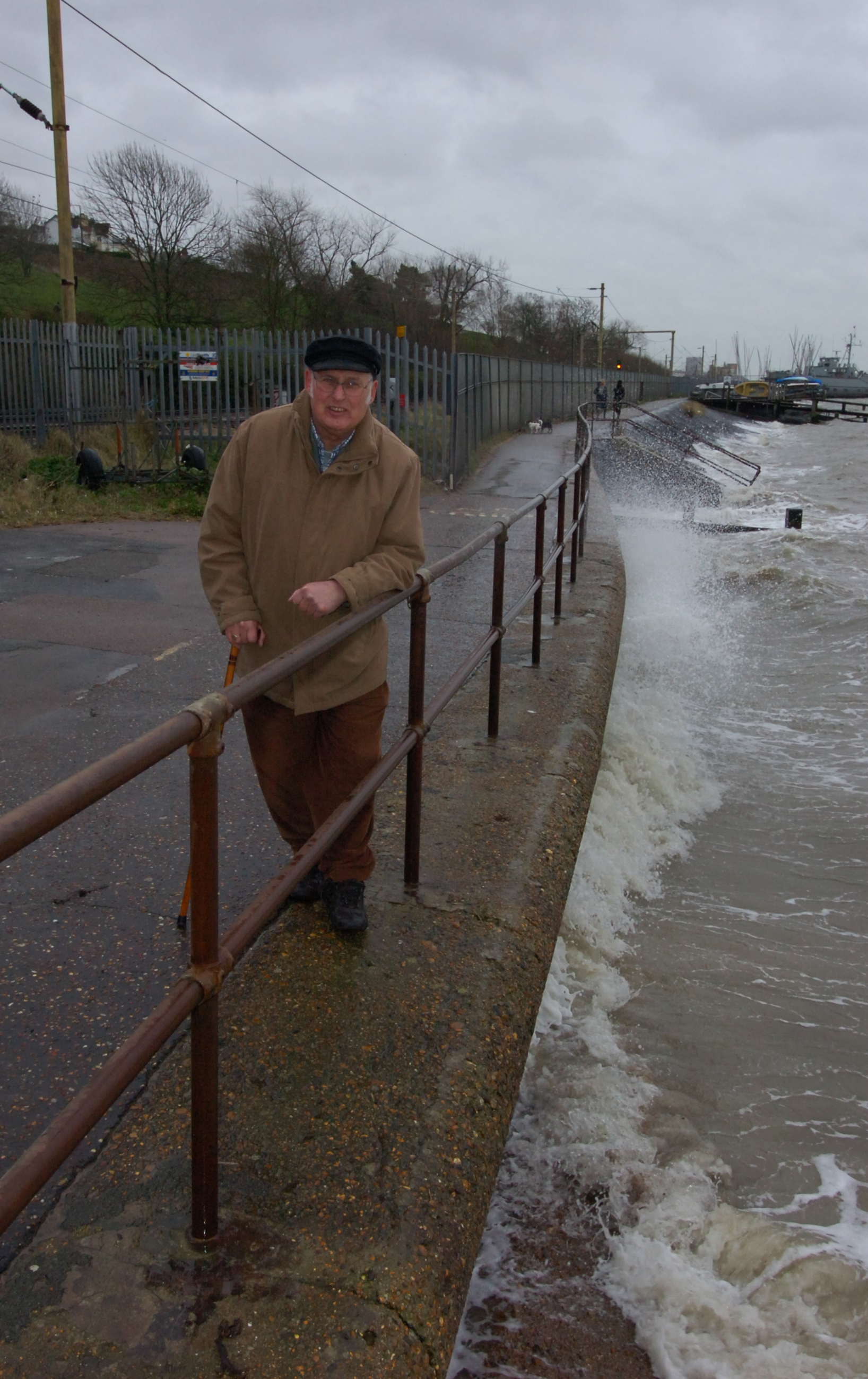 Stormy weather - Peter Wexham fears for the railway in Leigh as weather worsens