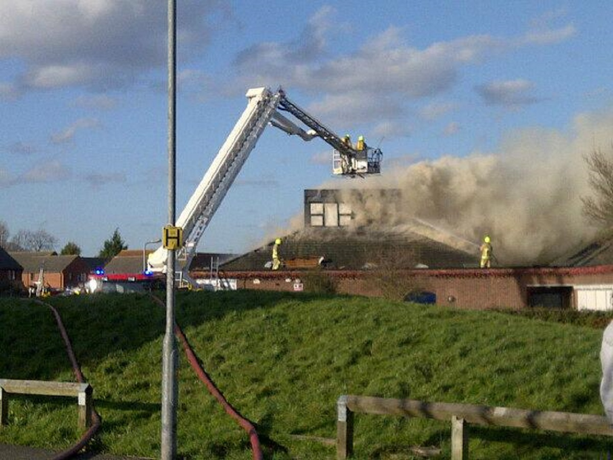 VIDEO: UPDATED: Firefighters battle to save Laindon pre-school