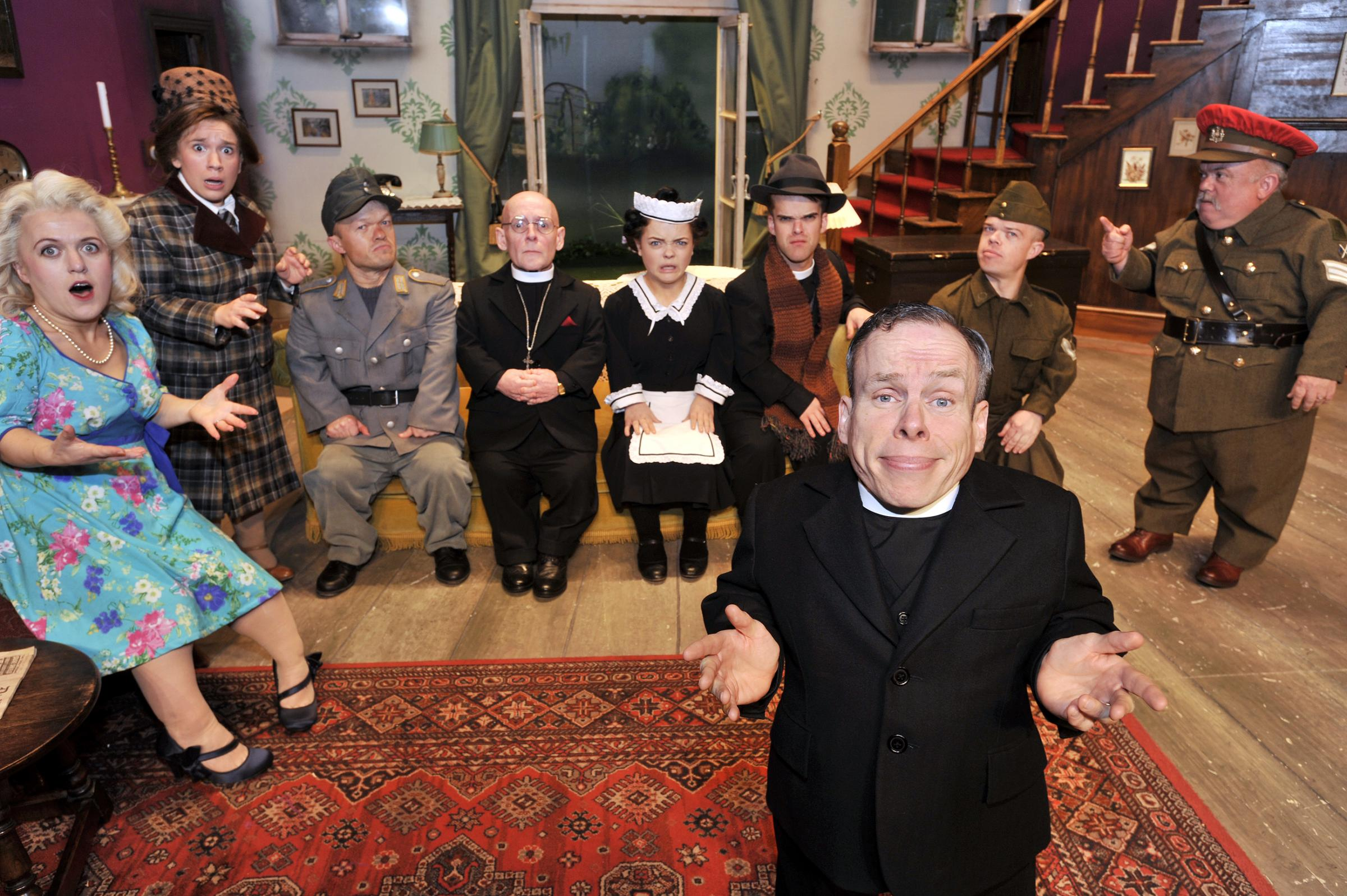 VIDEO: Warwick Davis to appear at Westcliff's Palace Theatre this week