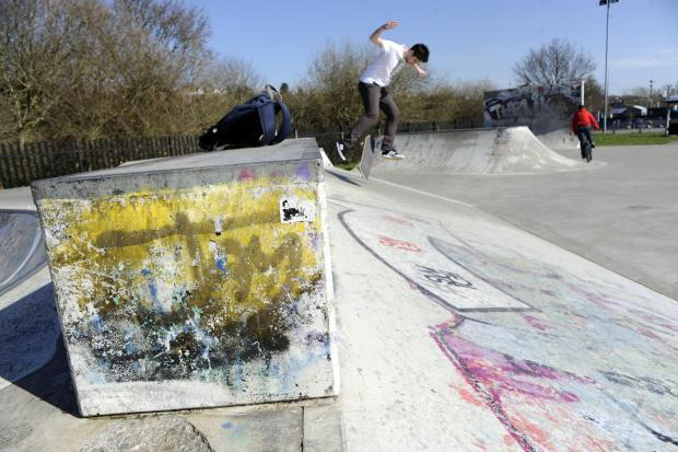 Inadequate Leigh skate park