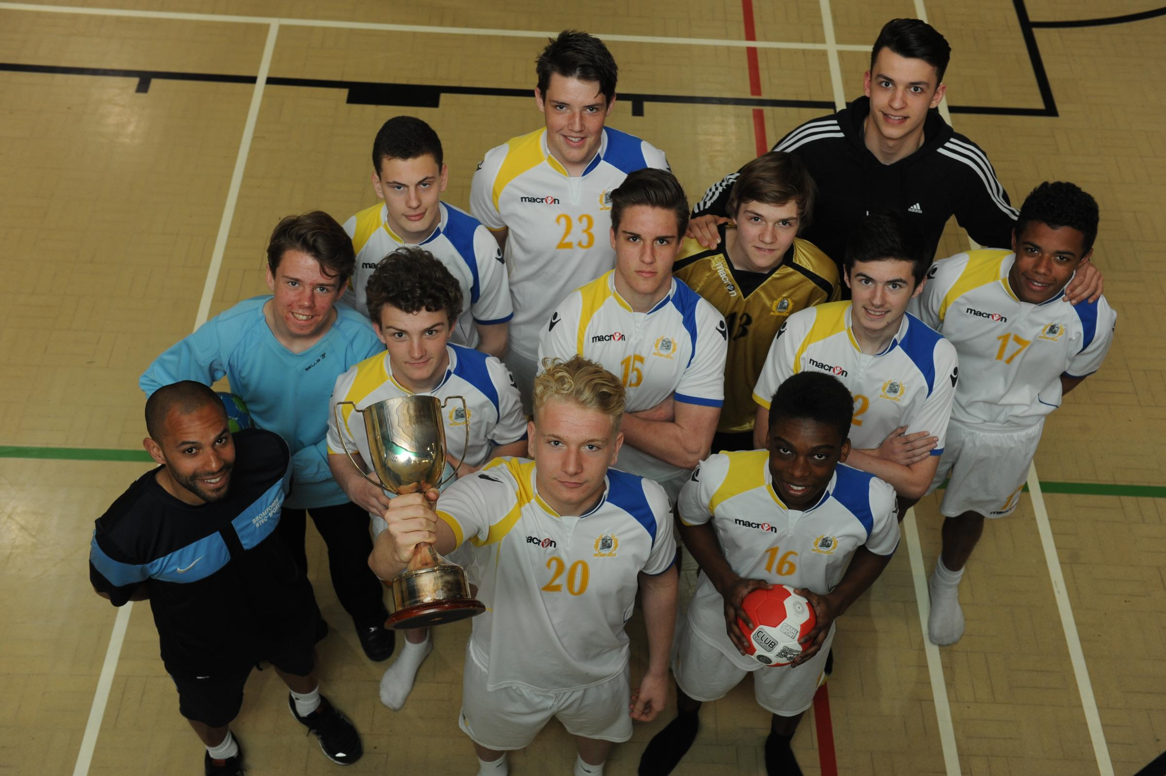 Best in the country - Bromfords' under-16 handball team