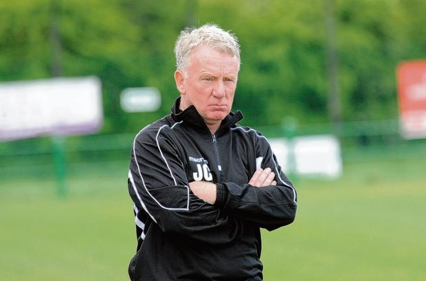 East Thurrock United boss not worried by small squad as season approaches