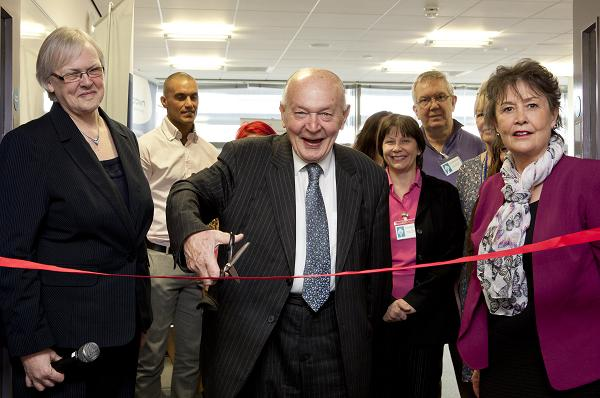 Opening ceremony – Sir Teddy Taylor cuts the ribbon