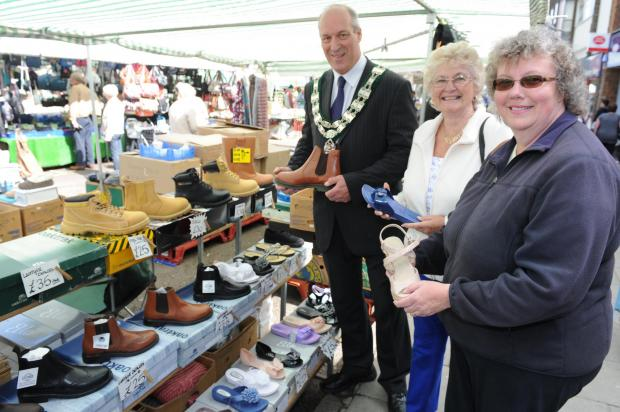 Shoe stall – Eddie Dray, Rayleigh in Bloom chairman Margaret Spencer and environment chairma