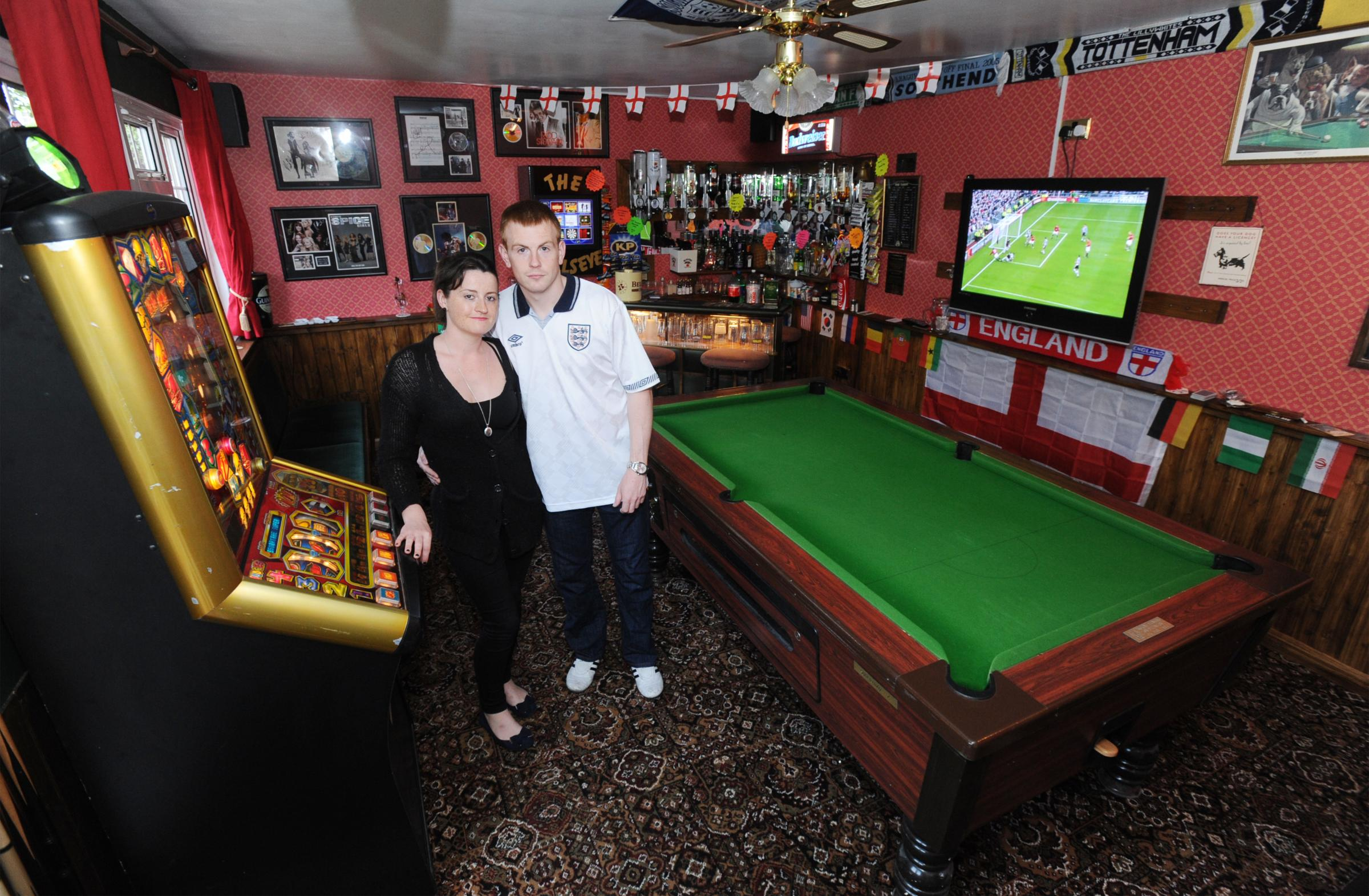 Fantasy football: Southend couple create back yard boozer to enjoy World Cup in style