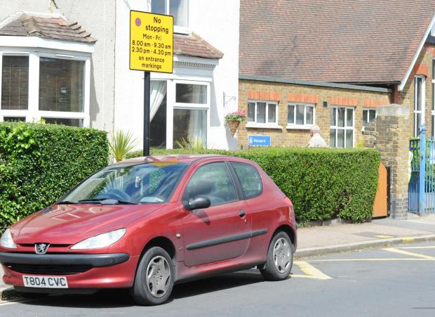 Motorists parked on school zig-zags in Southend to be targeted