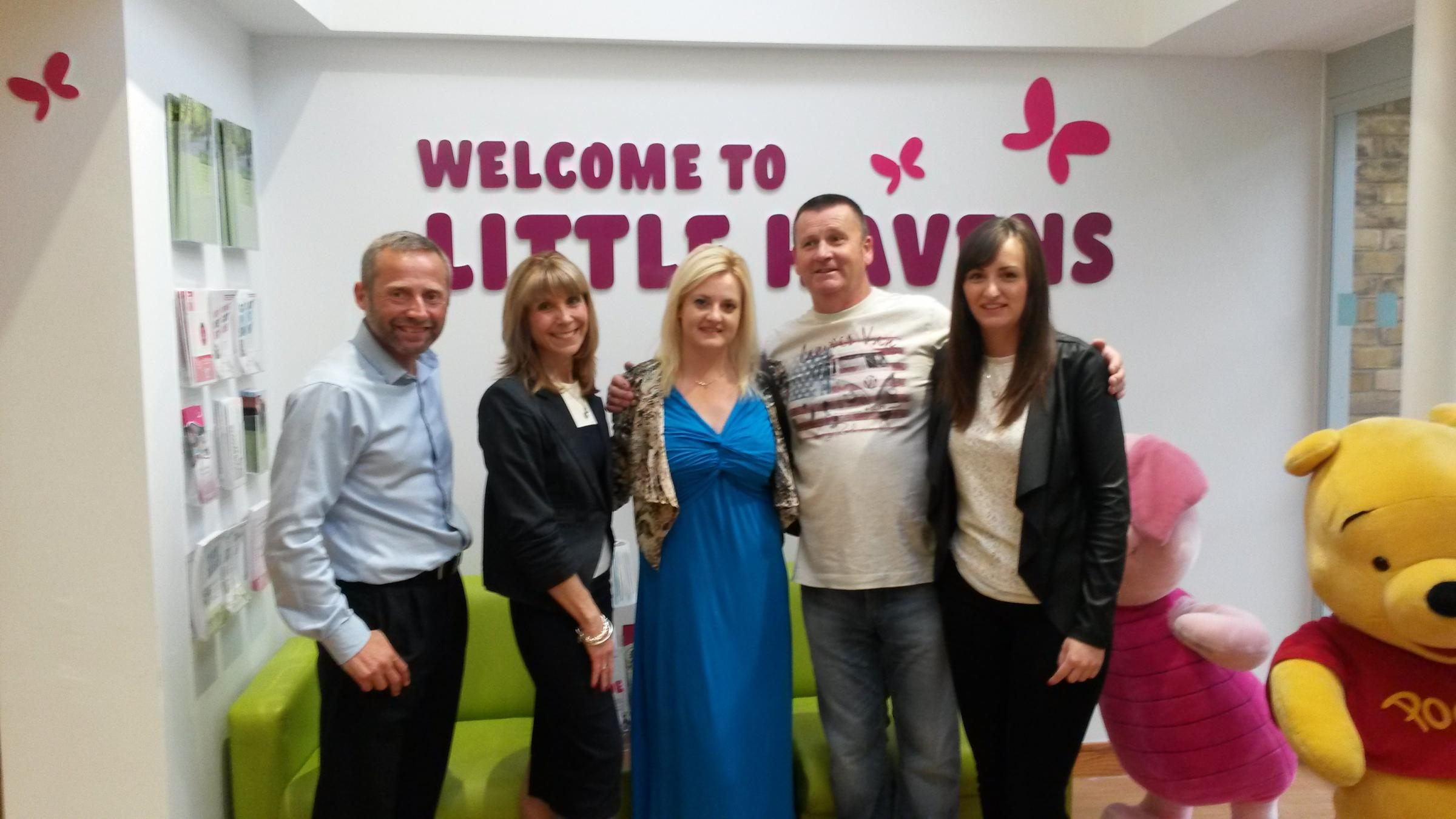 Welcome support – Little Havens Hospice community fundraiser Peter Hall with Vickie Collins and Chloe Emmons, Paul Emmons and Candice Emmons