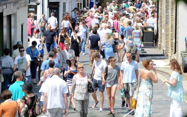 Towie stars in bid to film at folk festival