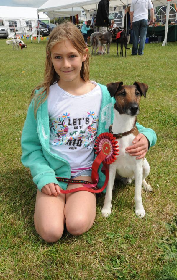 Crowds flock to country show