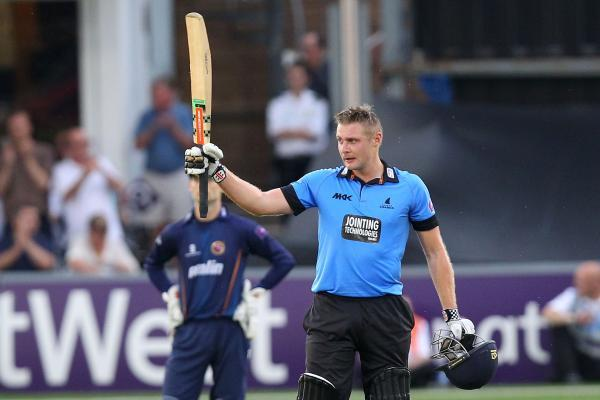 Luke Wright celebrates his century. PIC: GAVIN ELLIS/TGS PHOTOS
