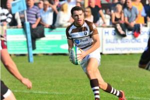 Southend Saxons' Iain Meads bags two tries but is still left disappointed by defeat to Taunton