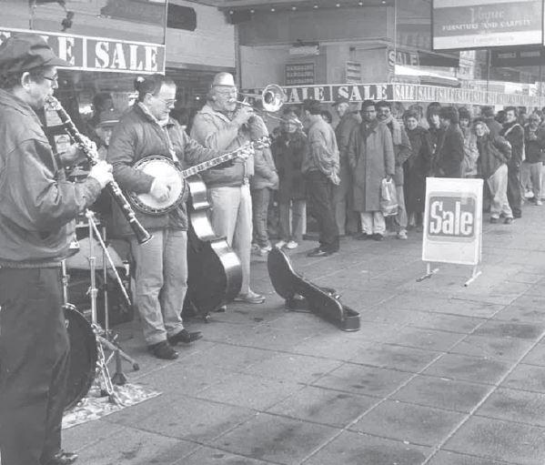Picture from the past: The opening of Keddies sale in 1988