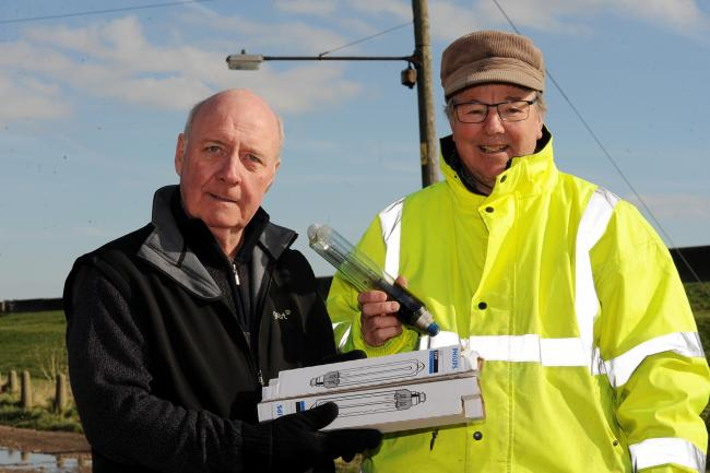 Canvey councillor changes streetlight bulbs in bid to solve row over private road responsibility