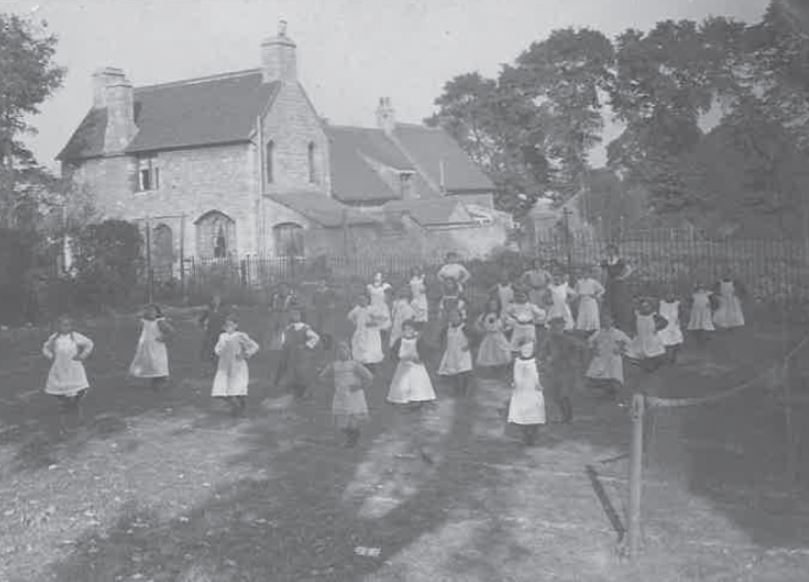Picture from the past: Schoolchildren keeping fit in 1911