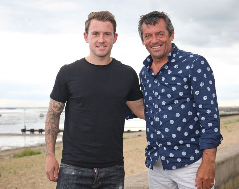 New boy - Simon Cox with Blues boss Phil Brown
