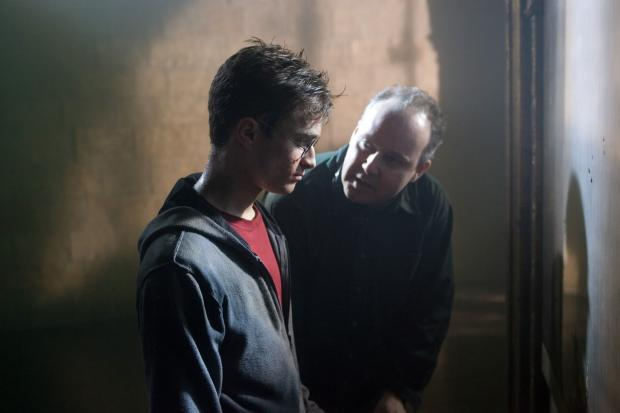 On set – David Yates with Daniel Radcliffe on the Harry Potter set
