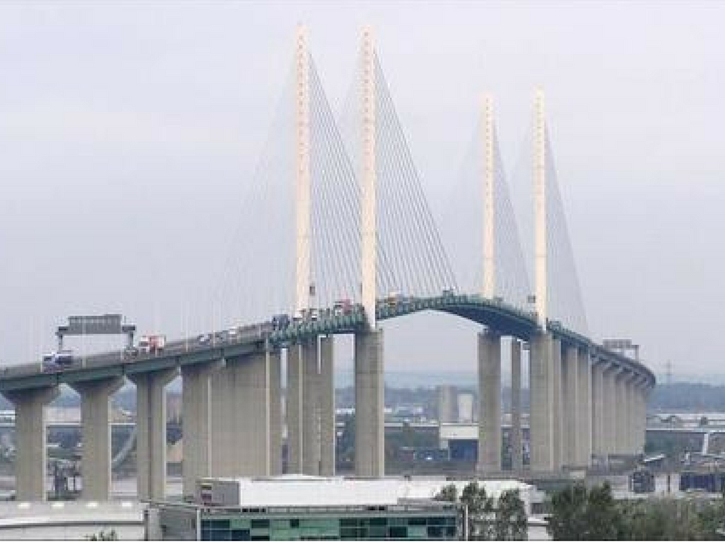 13 mile long queue stretching back from the Dartford Crossing after lorry breaks down
