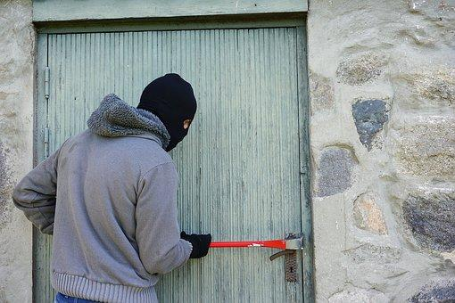 Plan to stop burglary as a family business