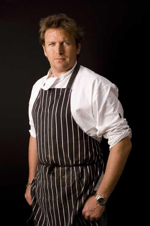 Echo: CHEF JAMES MARTIN AT HIS HOME IN WINCHESTER SEPT 18 2007