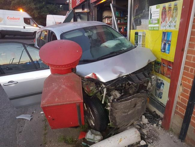 Gas Leak In Car >> Wickford Homes Evacuated After Car Crashes Into Cafe Causing
