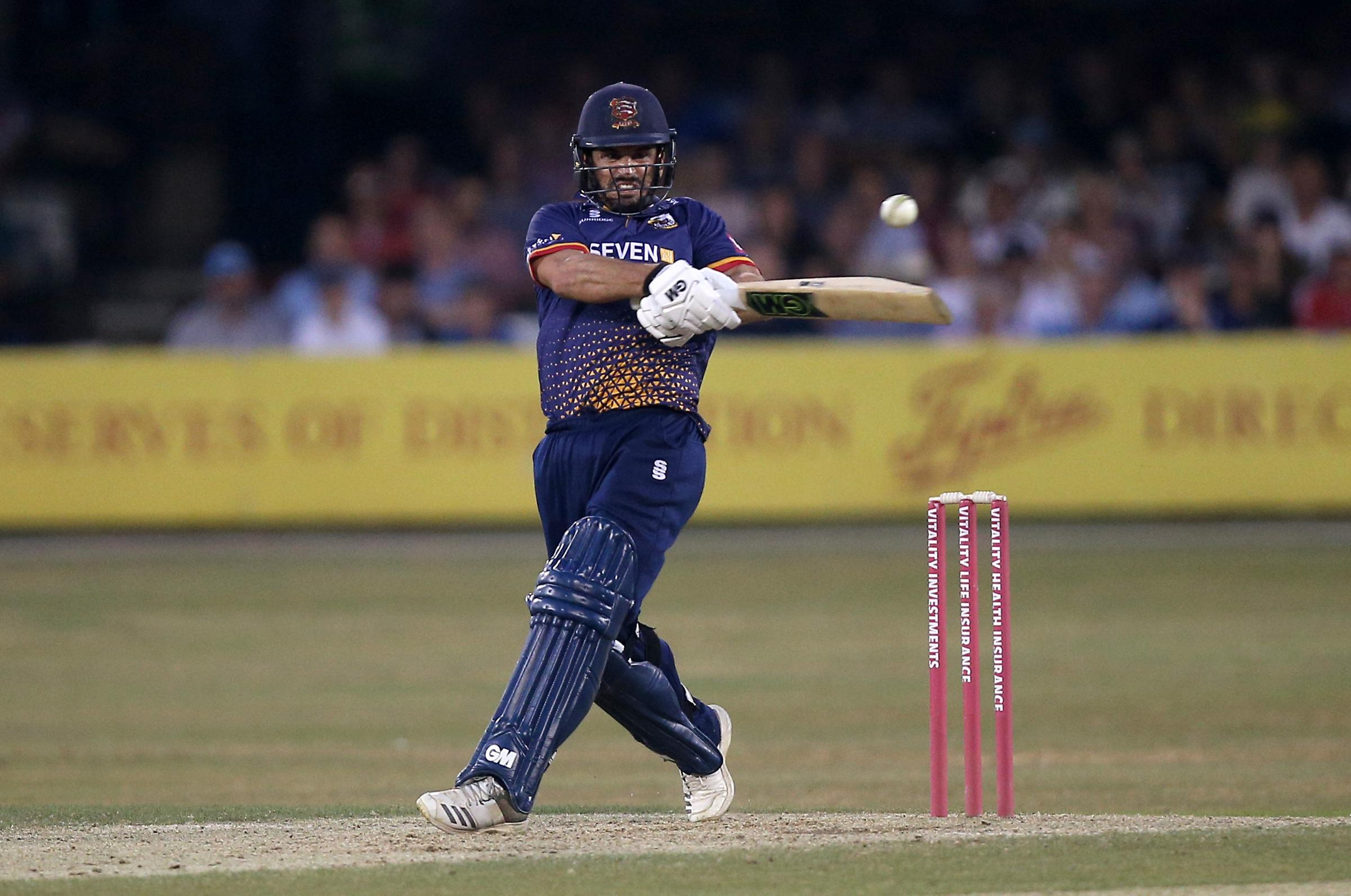 Ryan ten Doeschate hits 4 runs for Essex during Essex Eagles vs Middlesex, Vitality Blast T20 Cricket at The Cloudfm County Ground on 6th July 2018.