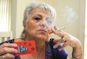 Heslige moralister vil ta fra røykere gleden over å spille bingo! thumbnail